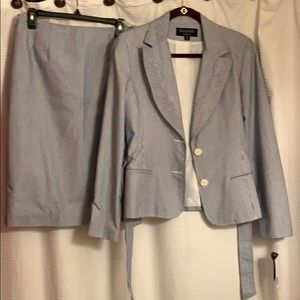 Signature by Larry Levine Skirts - 2 Piece skirt suit